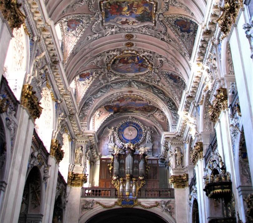 klasterni-kostel-sv-vojtecha.jpg