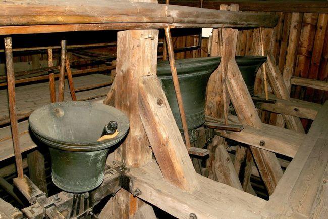 Zvonice s obrácenými zvony